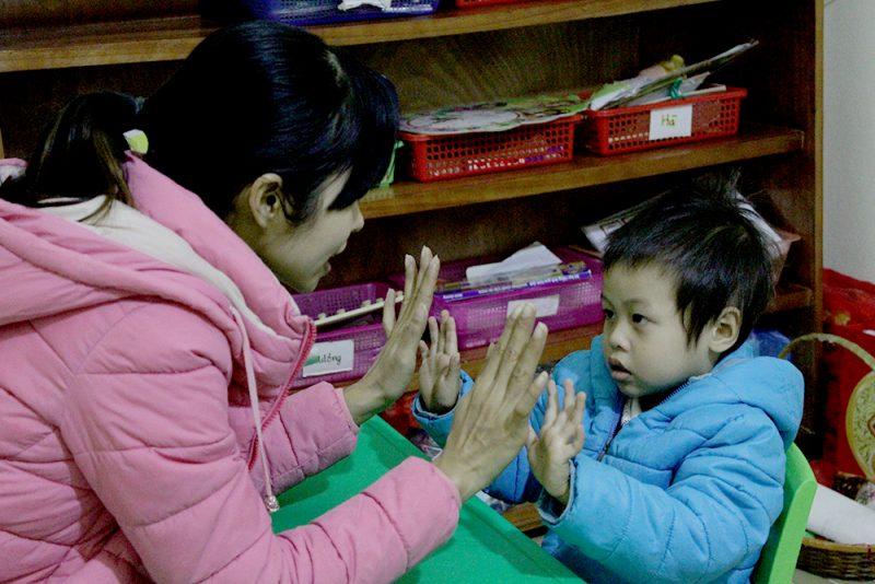 Tâm sự của giáo viên dạy trẻ tự kỷ ở Hà Nội