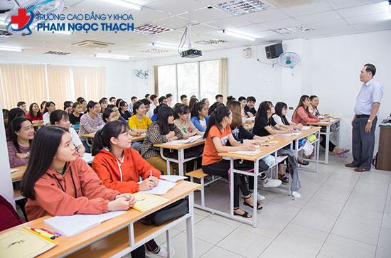 Cao đẳng Phạm Ngọc Thạch tuyển sinh năm 2021